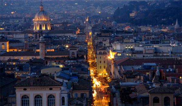 Roma - Vista dall'alto su Via del Corso