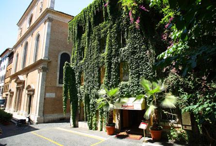 Hotel Raphael in Largo Febo, Roma