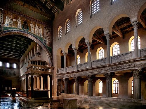 Interno della Basilica di San Lorenzo fuori le Mura