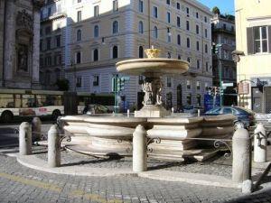 Fontana di Piazza Sant'Andrea della Valle, Roma