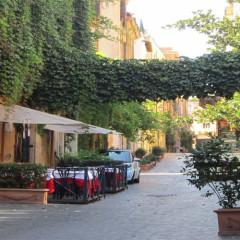 Via Margutta : La quiete nel caos Romano