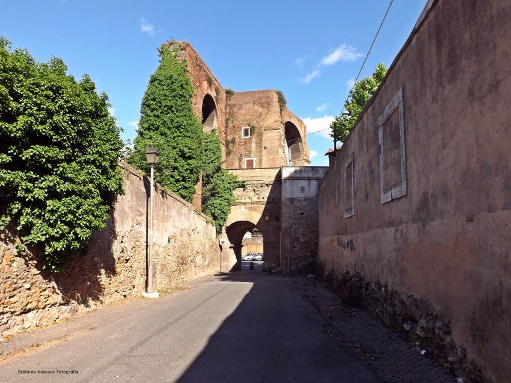 STEFANIA VASSURA Arco di San Paolo della Croce