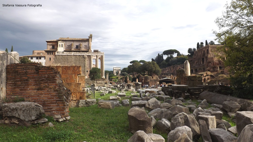 STEFANIA VASSURA Foro romano