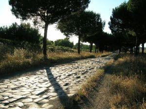 Via Appia Antica, un tratto di Strada che attraversa il Parco Regionale