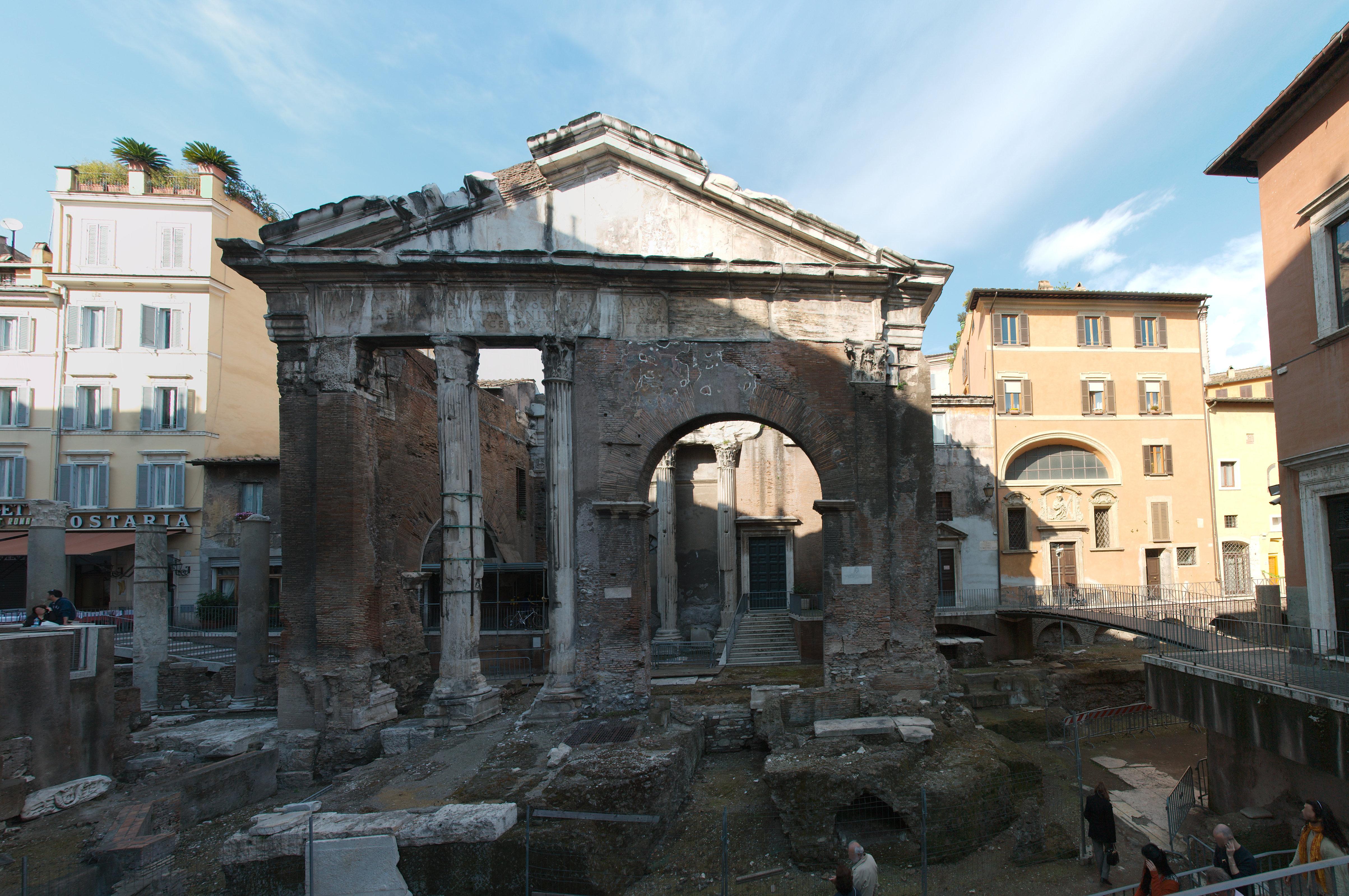 Visitare roma il tour dei cinque sensi pro loco roma for Avvolgere intorno al costo del portico
