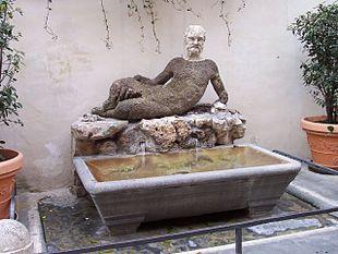 Via del Babuino: statua del Sileno