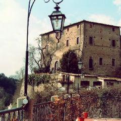 Il Borgo di Isola Farnese