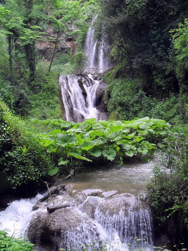 villa-gregoriana-cascata
