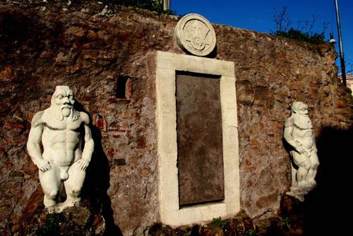 La Porta Magica di Piazza Vittorio a Roma