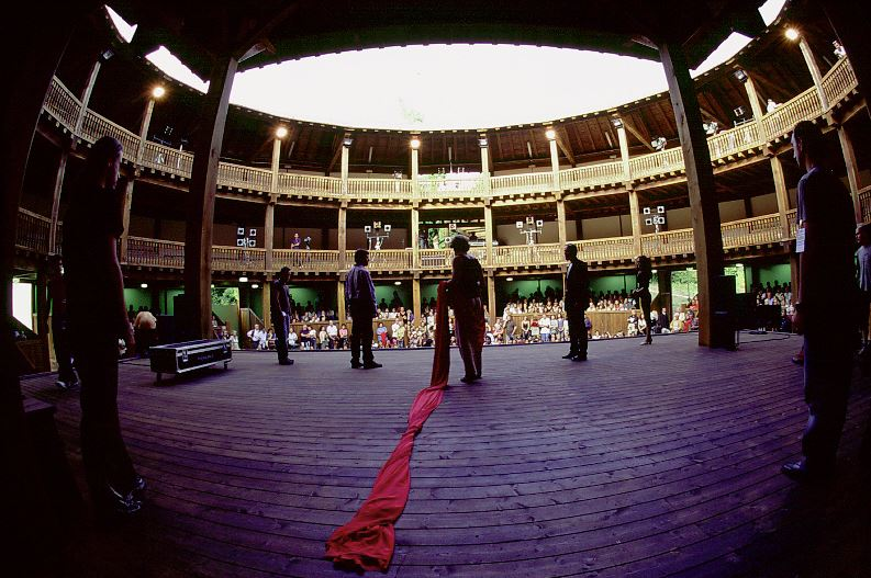 Momenti di preparazione al Silvano Toti Globe Theatre
