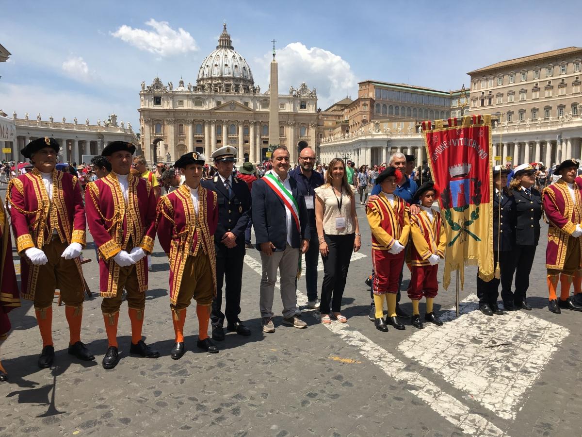 Infiorata Roma 2016 - fedeli di Vitorchiano