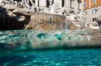 Foto Roma – Fontana di Trevi vista laterale