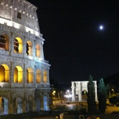 Foto Roma – Colosseo lato di notte
