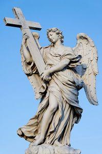 """Angelo con la Croce - Porta l'iscrizione """"cujus principatus super humerum eius"""""""