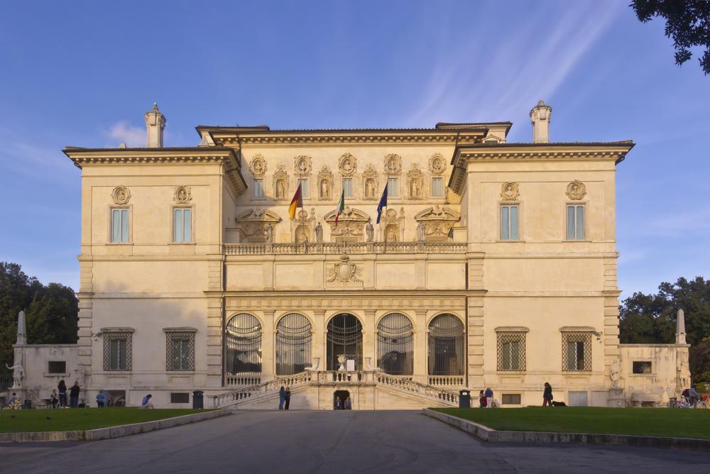 Entrata della Galleria Borghese a Roma