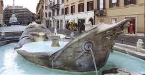 La Fontana della Barcaccia, Piazza di Spagna Roma