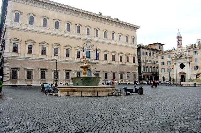 Palazzo Farnese e Piazza Farnese, Roma