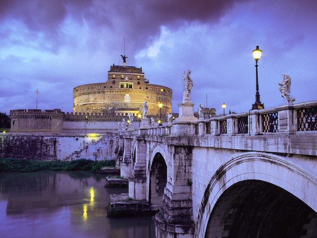 Ponte Sant'Angelo illuminato