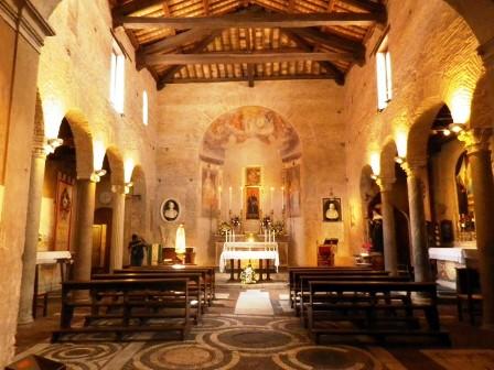 L'interno della Chiesa di San Benedetto in Piscinula