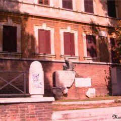 Massimo delle Fratte – Piazza Trilussa