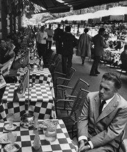 Una foto scattata a Fellini, presso il caffè Doney a Via Veneto