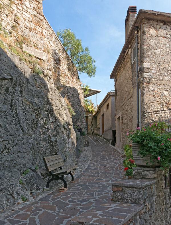Per le vie di Castel di Tora