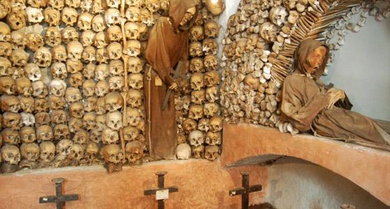 Il Museo degli Scheletri nei sotterranei della Chiesa di Santa Maria della Concezione