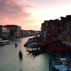 Fuga dalla città: Venezia o Roma