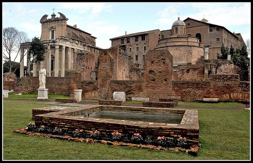 tempio-romolo-fori-imperiali