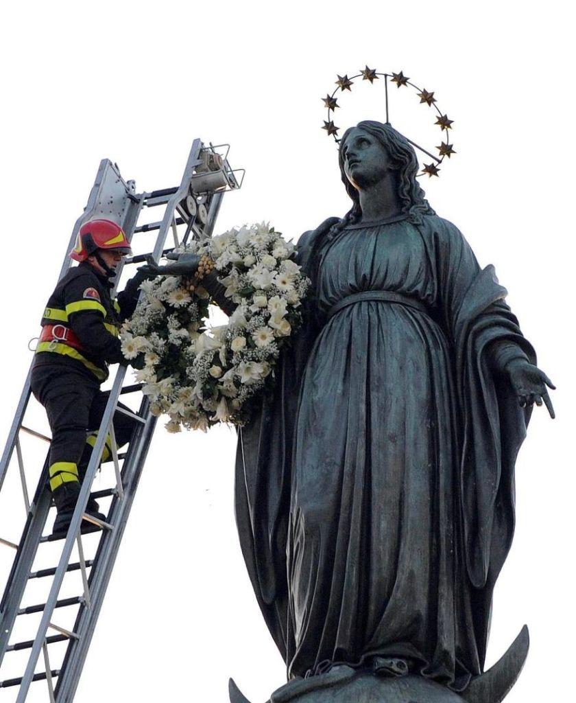 8 dicembre 2016 e il tradizionale omaggio floreale alla Madonna