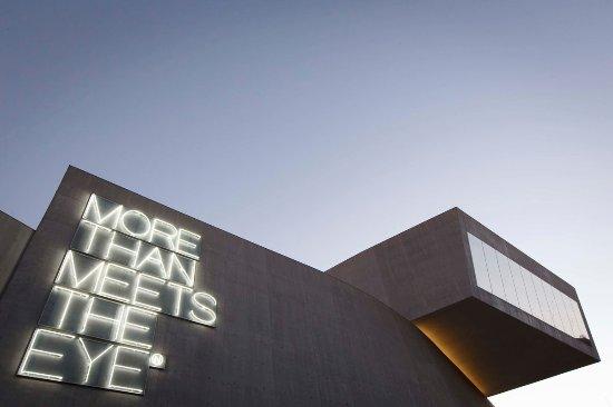 museo-maxxi-esterno-2017