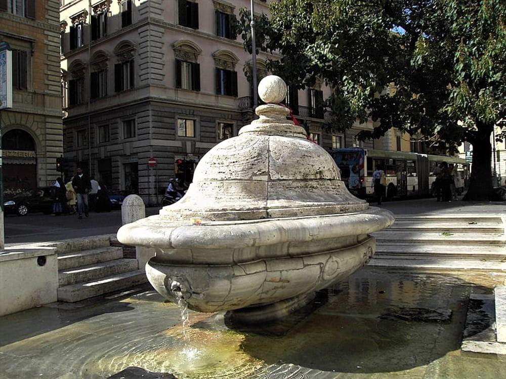 Fontana della zuppiera roma