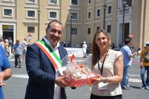 Infiorata Roma 2016 - Lucia Presidente Pro Loco lon sindaco Vitorchiano