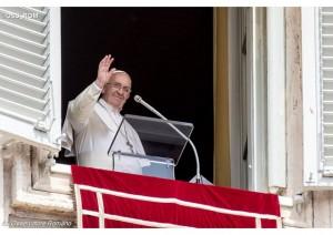 Infiorata Roma 2016 - Papa Francesco ringrazia gli infioratori durante l'Angelus