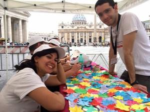 Infiorata Roma 2016 - i ragazzi della Pro Loco all'angolo bambini
