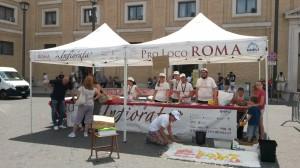 Infiorata Roma 2016 - volontari servizio civile pro loco Roma